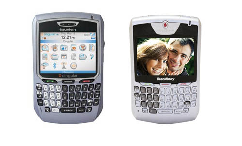 BlackBerry 8700 (tri) v BlackBerry 8707.