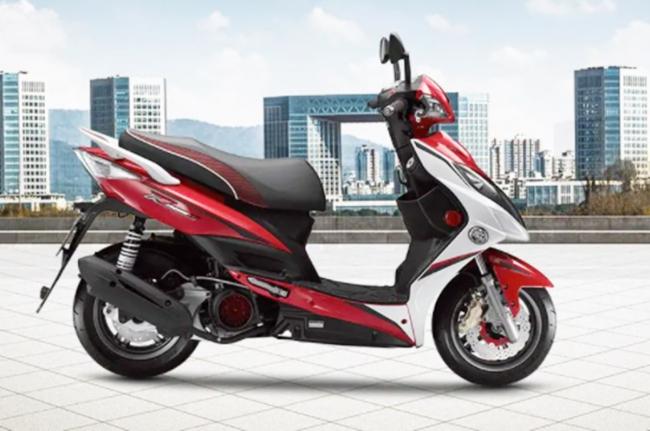 Honda SH 150i 'xanh mặt' trước đối thủ giá 54 triệu, rẻ ngang Honda SH Mode, trang bị cực ngon