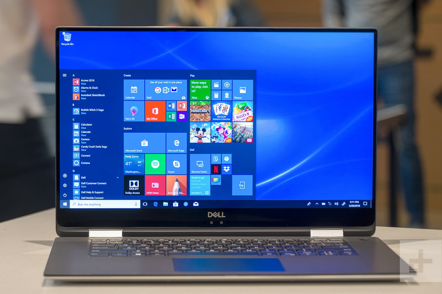 https://media.techz.vn/upload/2019/05/16/image-1557979281-dell-xps-15-2-in-1-review-front-display.jpg